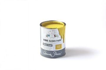 English yellow Chalk Paint Annie Sloan