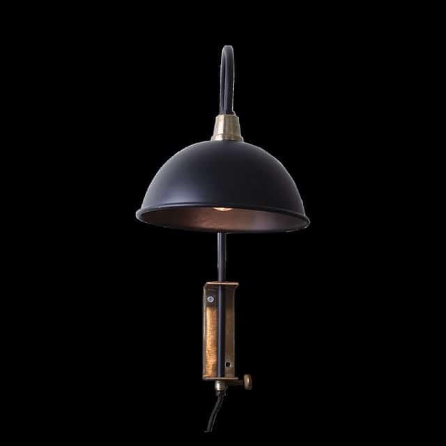 Vägglampa eller sänglampa svart/antik mässing