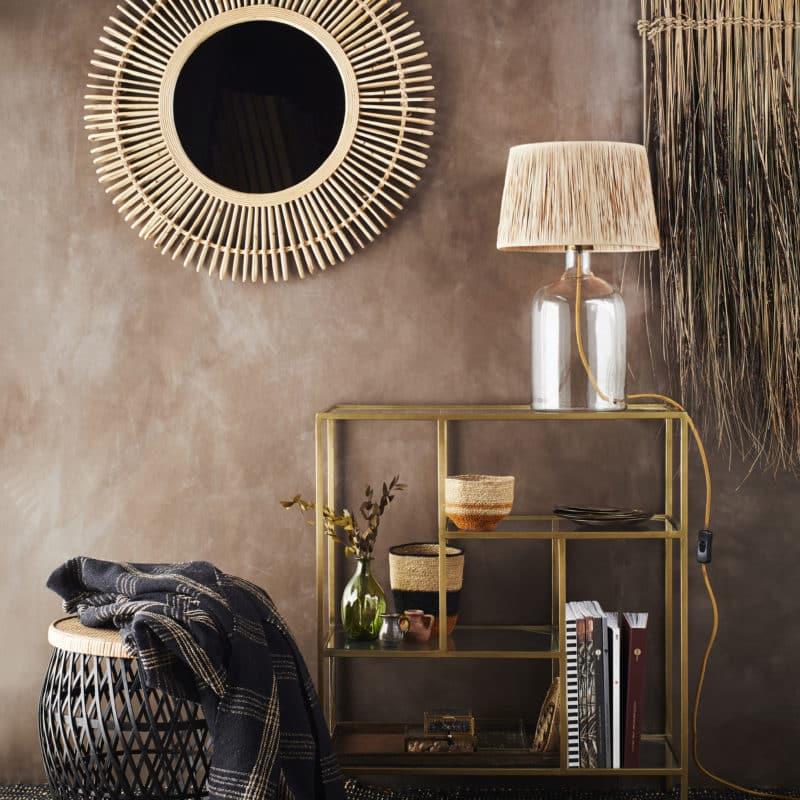 Bordslampa med glasfot och naturskärm